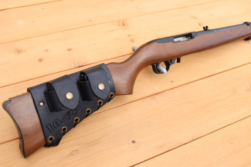 Picture of Ruger 10/22 with magazine cuff
